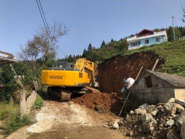 Ulucami Mahallesi Taş İstinat Duvar Çalışmaları Devam Ediyor..