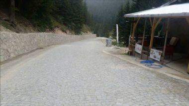 Uzungöl-Demirkapı-Arpaözü Grup Yolu Altyapı ve Parke Taşı Döşeme Çalışmaları tamamlandı.